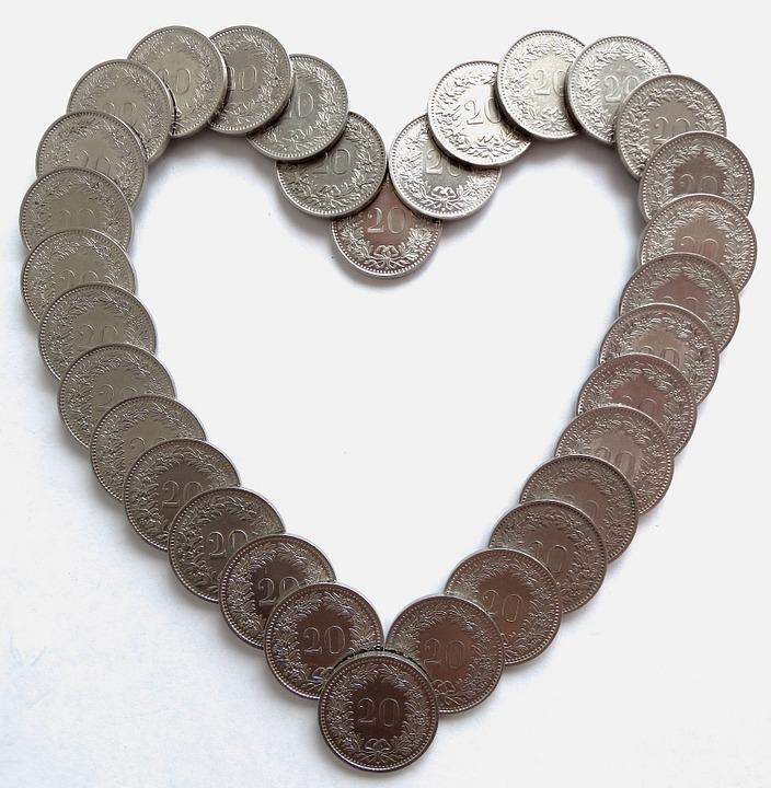 money-heart-pixabay-452625_960_720
